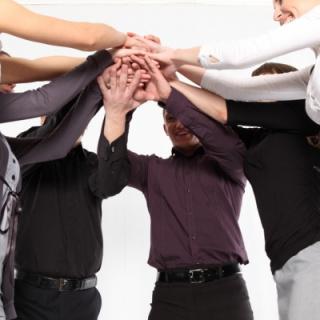 起業したての会社様も各種保険に入る必要があります。